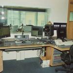 BBC Praha - stůl režie, čelní pohled